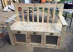 Pallet Furniture Projects wooden pallet bench idea - Wood pallets are utilized for packing the items with more chances of getting damaged when they need to be shifted to a far off place. Wooden Pallet Crafts, Outdoor Pallet Projects, Wooden Pallet Furniture, Wooden Pallets, Pallet Bench, Pallet Ideas, Pallet Designs, Furniture Projects, Wood Projects