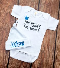 The Prince Has Arrived - Baby - One Piece - Baby Bodysuit and Hat Set - Newborn Baby Gifts - Baby Shower Gifts - Baby Boys' Clothing