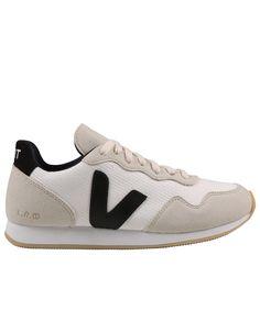 40758a134db 344 melhores imagens de Shoes ❤ em 2019