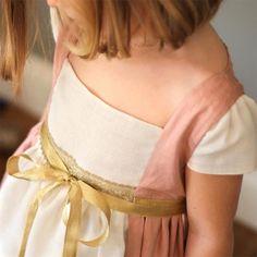 Disfraces de princesas medievales para niña. Comprar disfraz de princesa online en tu tienda de disfraces BelandSoph. Venta online de disfraces para niños.