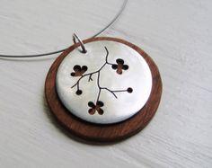 Rama de Sakura Neckwire collar en madera de cerezo--maderas modernas
