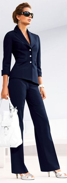 Dress for success at work or for the job interview. Classic Navy, work style… Dress for success at work or for the job interview. Dress For Success, Business Outfits, Business Fashion, Business Style, Business Formal, Business Wear, Business Suits For Women, Sexy Business Attire, Office Fashion