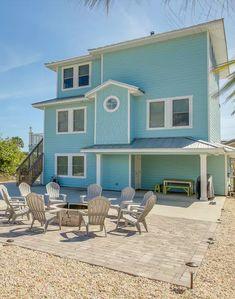 18 best bold beautiful images bright homes galveston texas rh pinterest com