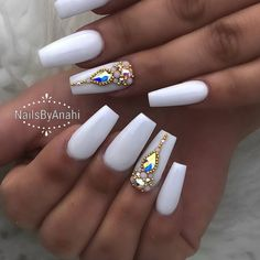 51 Ideas Nails Coffin Design Bling Nailart For 2019 Nails diamond nails Ongles Bling Bling, Bling Nail Art, Rhinestone Nails, Bling Nails, Swarovski Nails, White Acrylic Nails, Summer Acrylic Nails, White Nails, White Coffin Nails