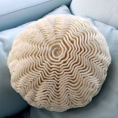Ruffle Rose Pillow: free pattern