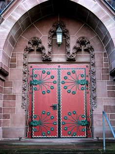 #Door Entrance to the Protestant Orange Memorial Church in Wiesbaden-Biebrich | Evangelischen Oranier-Gedächtniskirche
