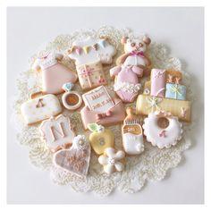#icingcookies #decoratedcookies  #sugarcookies #cookies #royalicing  #customcookies #babygirl #babyboy #babyshower #babycookies  #birthdaycookies #cbonbon  #アイシングクッキー #クッキー