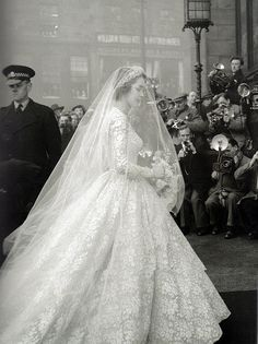 Jane O'Neil's wedding dress, 1953. LOVE the classics