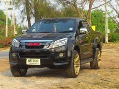 isuzu as 18 Scorpio Car, Isuzu D Max, Toyota Trucks, Jeep Cars, Pickup Trucks, Retro, Mj, Cars And Motorcycles, Dream Cars