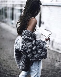 grey knitted chunky cardigan * blue jeans * white top