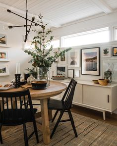 The Midwest Malibu Dining Room Renovation Proves Patience Is A Virtue - Front + Main Dining Decor, Dining Room Design, Dining Room Table, Cottage Dining Rooms, Small Dining Rooms, Malibu, Dining Room Inspiration, My Living Room, Home Decor