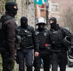 Belgian SWAT Molenbeek-Saint-Jean district of Brussels. Raid and live capture of 26 year old Salah Abdeslam. Paris Attack, Military Armor, Men In Uniform, Together We Can, Special Forces, Cops, Police, Around The Worlds, Brussels