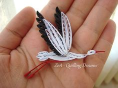 Quilling: Birds of Paper, Tiny Stork Held in Hand 3d Quilling, Paper Quilling Cards, Paper Quilling Flowers, Paper Quilling Tutorial, Quilling Animals, Paper Quilling Patterns, Quilled Paper Art, Quilling Ideas, Quiling Paper