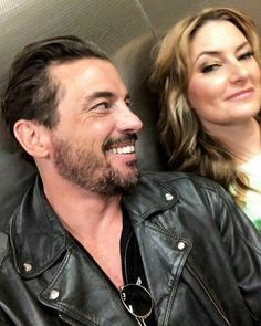 Uploaded by - L. Find images and videos about riverdale, alice cooper and Madchen Amick on We Heart It - the app to get lost in what you love. Watch Riverdale, Riverdale Funny, Riverdale Cast, Vanessa Morgan, Movies And Series, Tv Series, Alice Cooper Riverdale, Skeet Ulrich Riverdale, Recipes