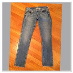 JUST REDUCEDAmerican Eagle Skinny Jeans American Eagle Skinny Jeans Size 6 American Eagle Outfitters Jeans