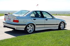 1998 E36 M3 - Inexpensive Performance - http://www.bmwblog.com/2015/05/25/1998-e36-m3-inexpensive-performance/