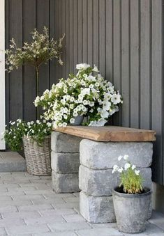 Look at the photo of little craft called DIY garden bench made of bricks and . - Look at the photo of little craft called DIY garden bench made of bricks and a wooden board and oth - Outdoor Projects, Diy Projects, Project Ideas, Outdoor Ideas, Diy Backyard Projects, Farm Projects, Outdoor Pictures, House Projects, Backyard Landscaping
