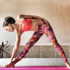 Muchas veces en los gestos mas sencillos encuentras la mayor satisfacción. Todo es yoga, porque yoga es la actitud. Buenos días yoguis!