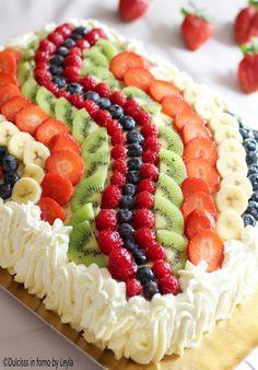 Torta di frutta rettangolare con decorazione ad onda Dulcisss in forno by Leyla