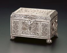 Box Treasure Boxes, Casket, Tortoise Shell, Civilization, Cabinets, Decorative Boxes, Museum, Asian, Pearls