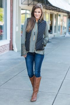 """""""Quilted Puffy Vest - Black""""This quilted puffy vest is great for city streets or country roads! It's chic style is just what you need this fall! It's perfect for a casual day out! #newarrivals #shopthemint"""