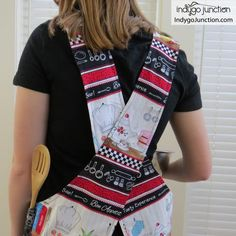 Crossback Reversible Apron sewing pattern by Indygo Junction – IndygoJunction How To Make Aprons, Child Apron Pattern, Go Fit, Sewing Aprons, Gifts For Cooks, Kids Apron, Quilting For Beginners, Digital Pattern, Sewing Projects