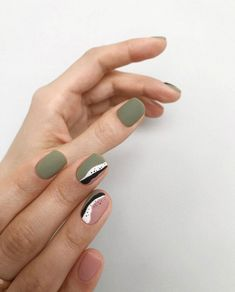 Semi-permanent varnish, false nails, patches: which manicure to choose? - My Nails Nail Art Cute, Pink Nail Art, Gray Nail Art, Chic Nail Art, Cute Art, Minimalist Nails, Gray Nails, Pink Nails, Short Nail Designs