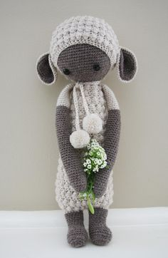 LUPO the lamb made by Emma T. / crochet pattern by lalylala