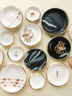 Perfect Gift for Mom Ceramic Ring Holder Ring Holder Dish Ceramic Jewelry Dish Black Clay Unique Ring Dish Pearl Ring Dish