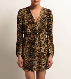 tiger print is the only acceptable way to wear animal print.