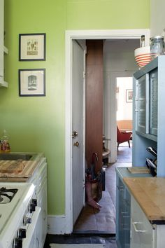 Joanna U0026 Gerry Collectively Maximize Their Small Space. Apple Green  KitchenGreen ...