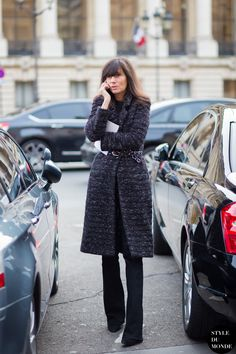 Emmanuelle Alt // belted coat & wide leg pants #style #fashion #streetstyle