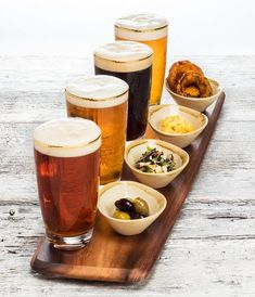 3 Beer and Food Pairings Are Just What Your Dad Wants On Father s Day Cheers to Dad this weekend with these craft beer and food pairings.Cheers to Dad this weekend with these craft beer and food pairings. Cheers, Beer Tasting Parties, Tasting Menu, Craft Bier, Beer Pairing, Food Pairing, Pub Food, Beer Food, Brew Pub