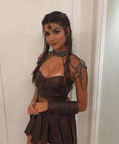Halloween Costumes Women Creative, Diy Halloween Costumes For Women, Trendy Halloween, Funny Halloween, Halloween Ideas, Halloween Makeup, Woman Costumes, Halloween Recipe, Couple Costumes