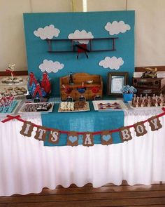 Picture Perfect Party Tables 's Baby Shower / Vintage plane - Photo Gallery at Catch My Party Baby Shower Cake Pops, Boy Baby Shower Themes, Baby Shower Cards, Baby Boy Shower, Baby Shower Invitations, Vintage Airplane Party, Vintage Party, Vintage Airplanes, Vintage Diy