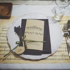 いいね!241件、コメント1件 ― PAPER DESIGNER {八木原}さん(@yagihara.tsg)のInstagramアカウント: 「テーブルコーディネート。 楽譜のランチョンマットに、席札は音符の形で。 ゲスト一人ひとりのnoteをつなぎ合わせつ奏でる結婚式です。 #trunkbyshotogallery #ウェディング…」 Table Decorations, Frame, Wedding, Home Decor, Music, Picture Frame, Valentines Day Weddings, Musica, Decoration Home