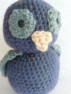 These crochet animals would make super cute baby gifts (I am in love with the owls and the elephant!)