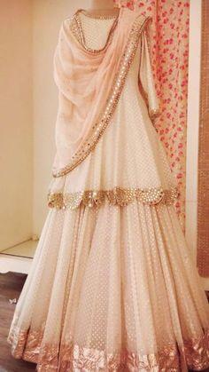 Pakistani Dresses Casual, Indian Gowns Dresses, Indian Fashion Dresses, Pakistani Dress Design, Indian Designer Outfits, Pakistani Bridal, Shadi Dresses, Indian Designers, Punjabi Wedding