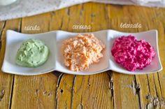 Scones de queijo colorido