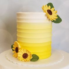 Sunflower Birthday Parties, Sunflower Party, Sunflower Cakes, Sunflower Baby Showers, Baby Girl First Birthday, First Birthday Cakes, Birthday Ideas, Bee Cakes, Cupcake Cakes
