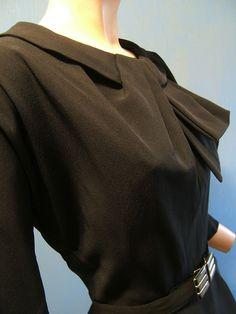 60s Vintage Black Fitted Dress Sculptural Dimensional Neckline. Dolman Sleeves. Peek a Boo Keyhole Richard Frontman. Bust 36
