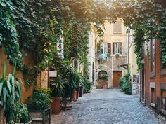 This Is the Best Neighborhood in Rome to Get Lost