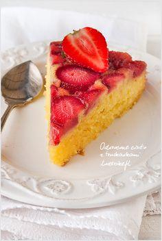 odwrócone-ciasto-z-truskawkami-7