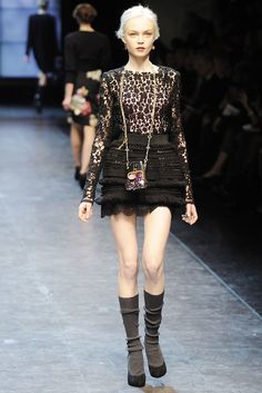 Dolce & Gabbana Fall 2010 Ready-to-Wear Collection Photos - Vogue