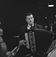 Johnny Meijer and his Accordiola