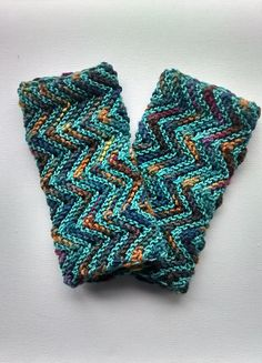 Ravelry: Project Gallery for ZigZag Fingerless Gloves pattern by Whole Earth Education