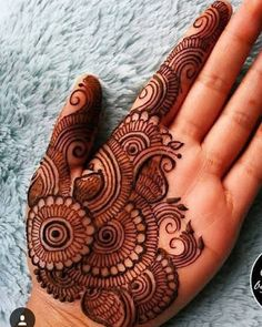 Gorgeous Indian mehndi designs for hands this wedding season Palm Mehndi Design, Full Hand Mehndi Designs, Indian Mehndi Designs, Henna Art Designs, Mehndi Designs For Girls, Mehndi Designs For Beginners, Modern Mehndi Designs, Mehndi Design Photos, Wedding Mehndi Designs