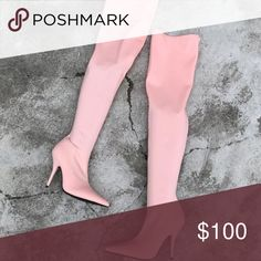 A must have ! Tight over the knew boots. Trendy ! Fit 7. Stretchy material, upper material is silk. Color is as seen in pictures, it's like a rose peach color ;) as seen in pictures ! Shoes Over the Knee Boots