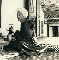 Woman in Moroccan Palace - Irving Penn (1951)