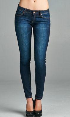 Our most loved basic skinny jeans. #specialajenas #darkskinnyjeans